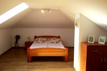 Apartament-2-poziomowy-sypialnia